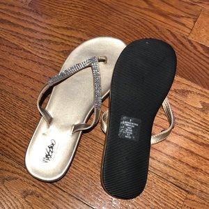 New women's flip flops